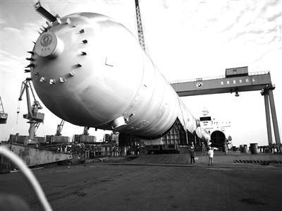 张化机承制PDH反应器和高丙烷脱氢高性能分离塔装船发货