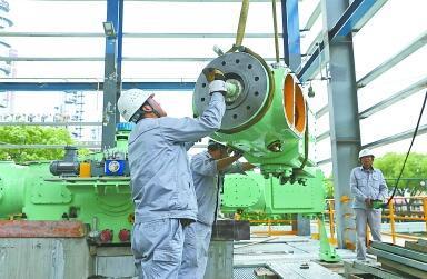 鎮海煉化生物航煤壓縮機組安裝
