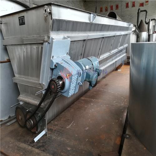 常州益球中亚的无轴绞龙输送机和有轴绞龙输送机制作完成装车发货现场